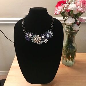 Jewelry - Blue, White & Black Floral Statement Necklace 💎
